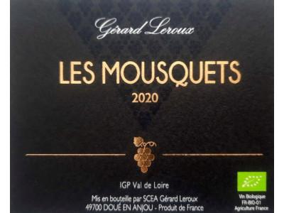 Mousquets 2019 (blanc sec)   Chenin ayant bénéficié d'un viellissement de plusieurs mois en fûts de Chène